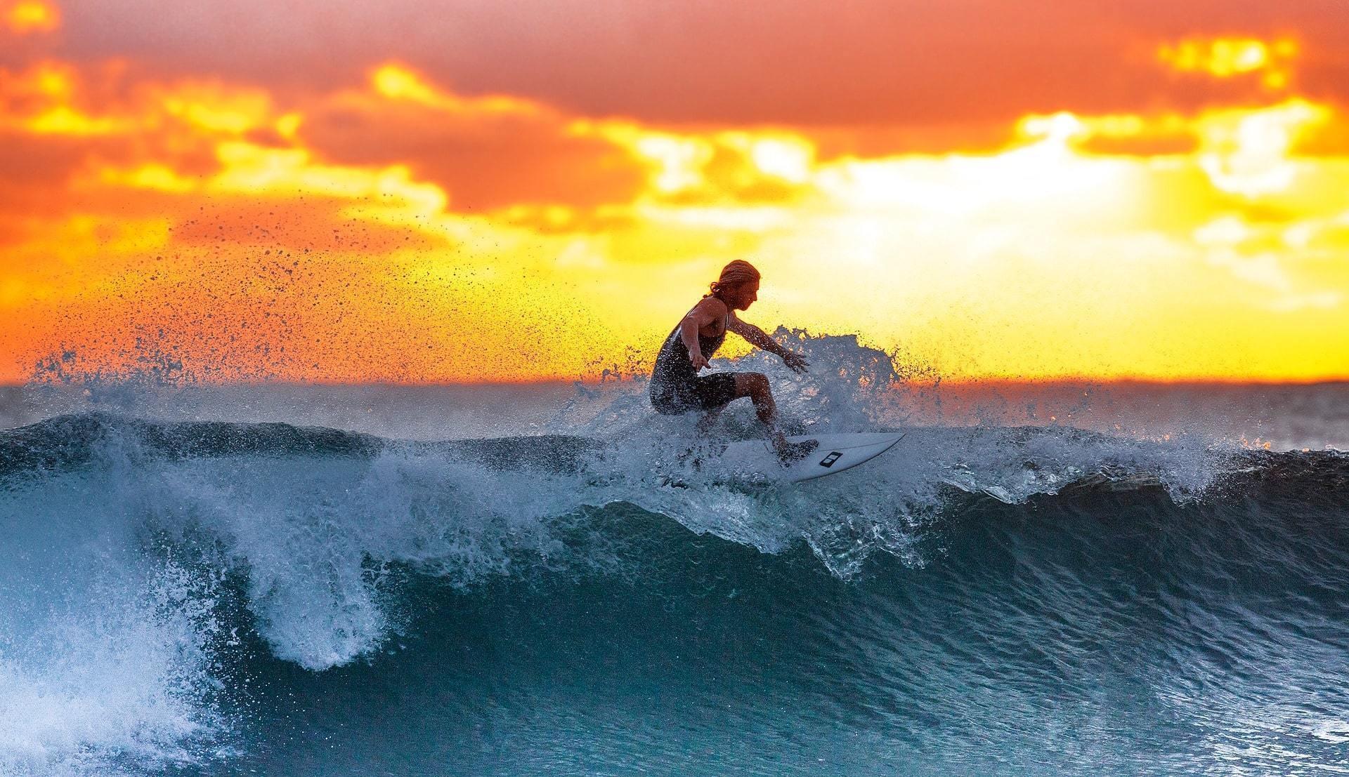 indonesien_surfer