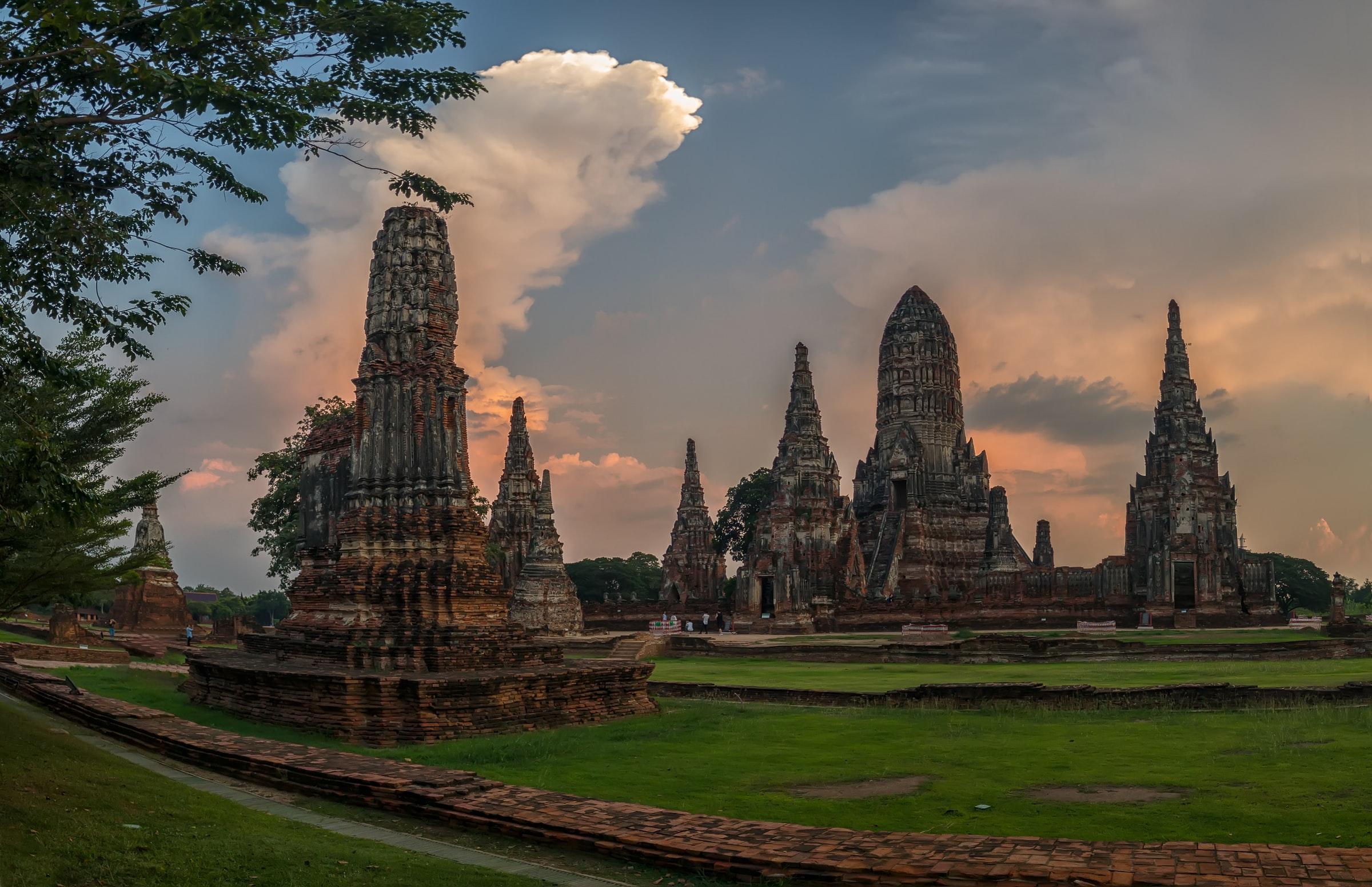 Thailand Rundreise Ayutthaya Türme