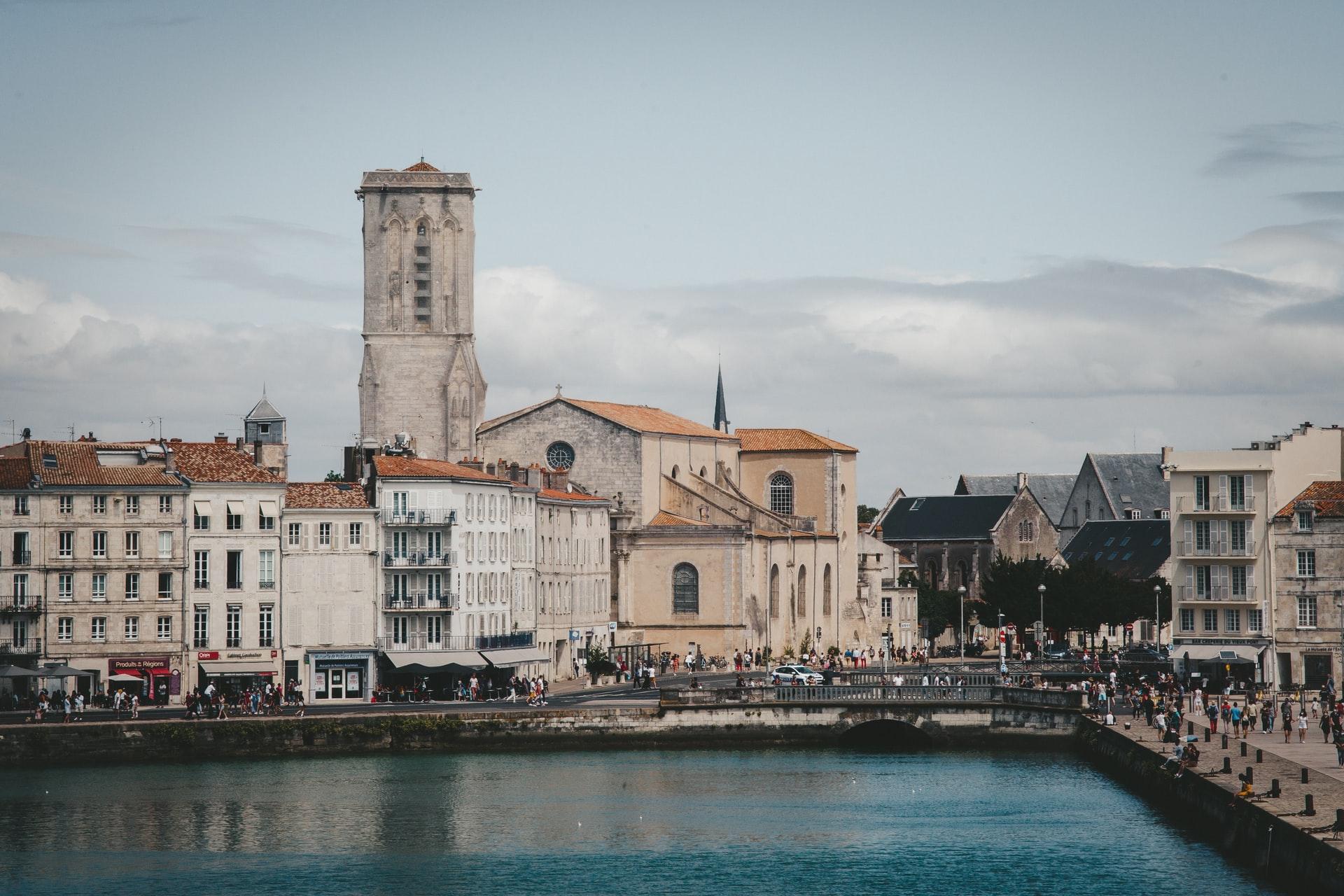 frankreich-atlantik-La-Rochelle-häuser