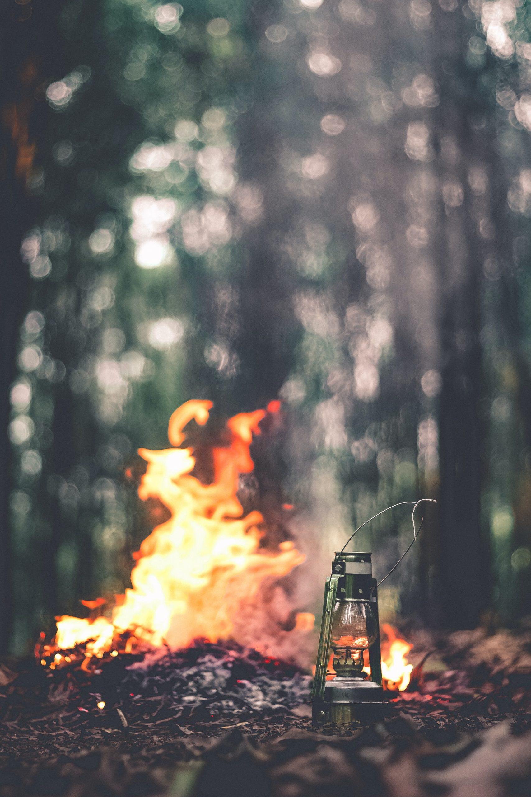 frankreich-campingplätze-lagerfeuer