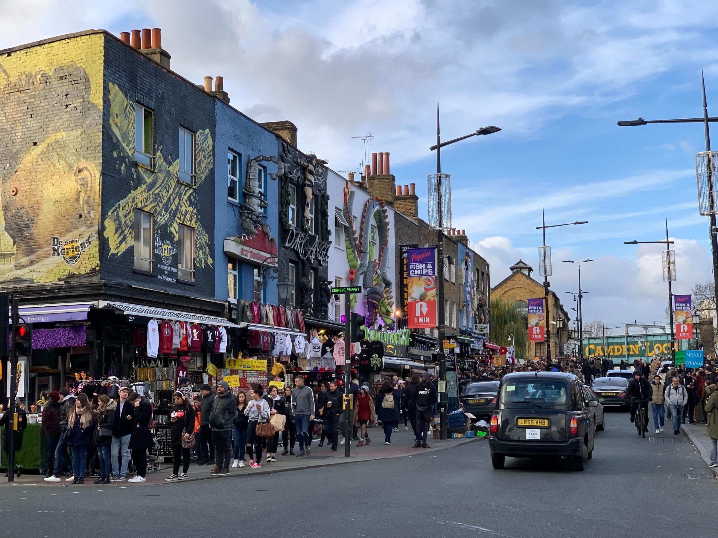 Camden England - Häuser und Menschen