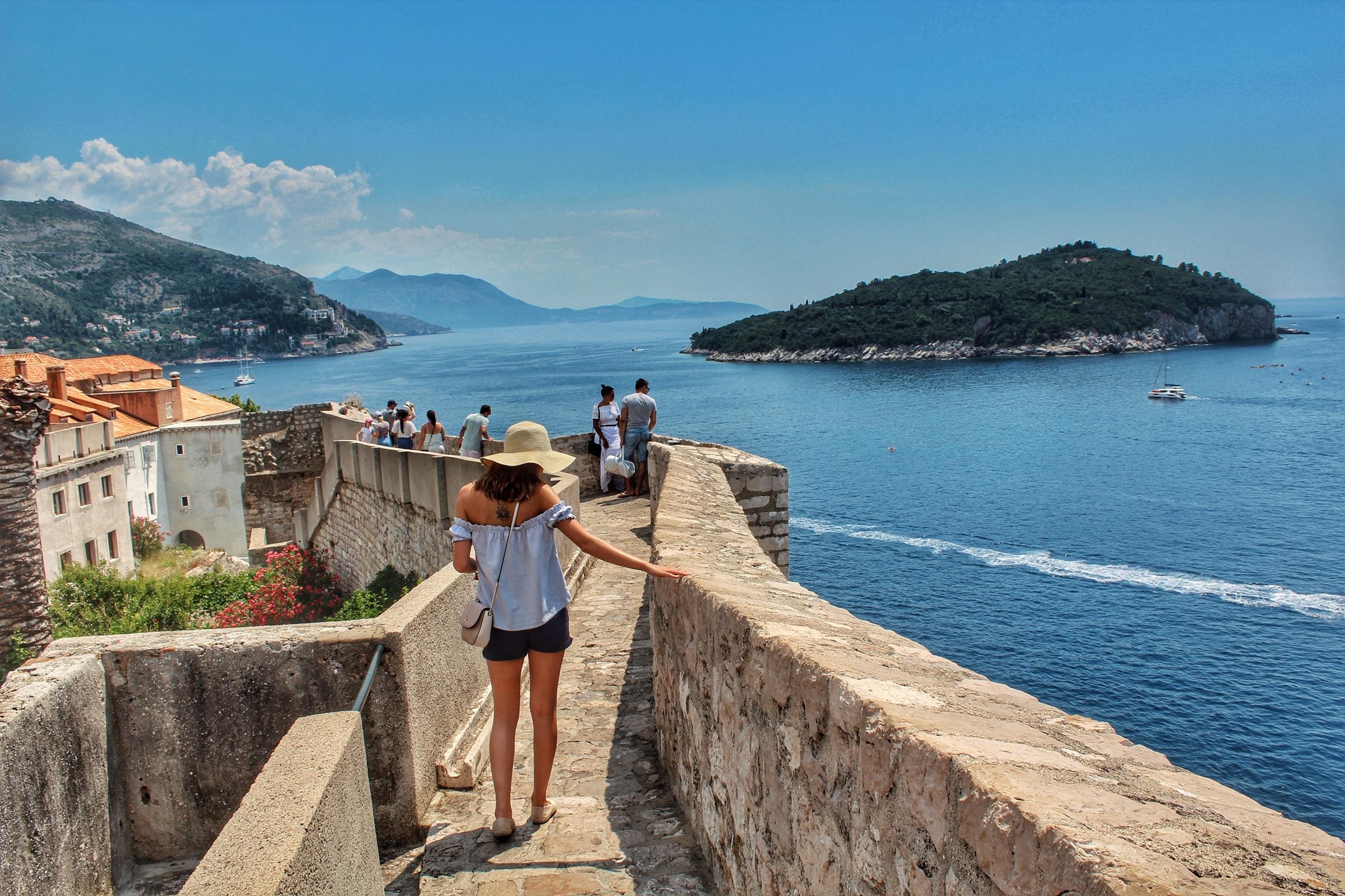 Dubrovnik - Stadtmauer mit Meerblick