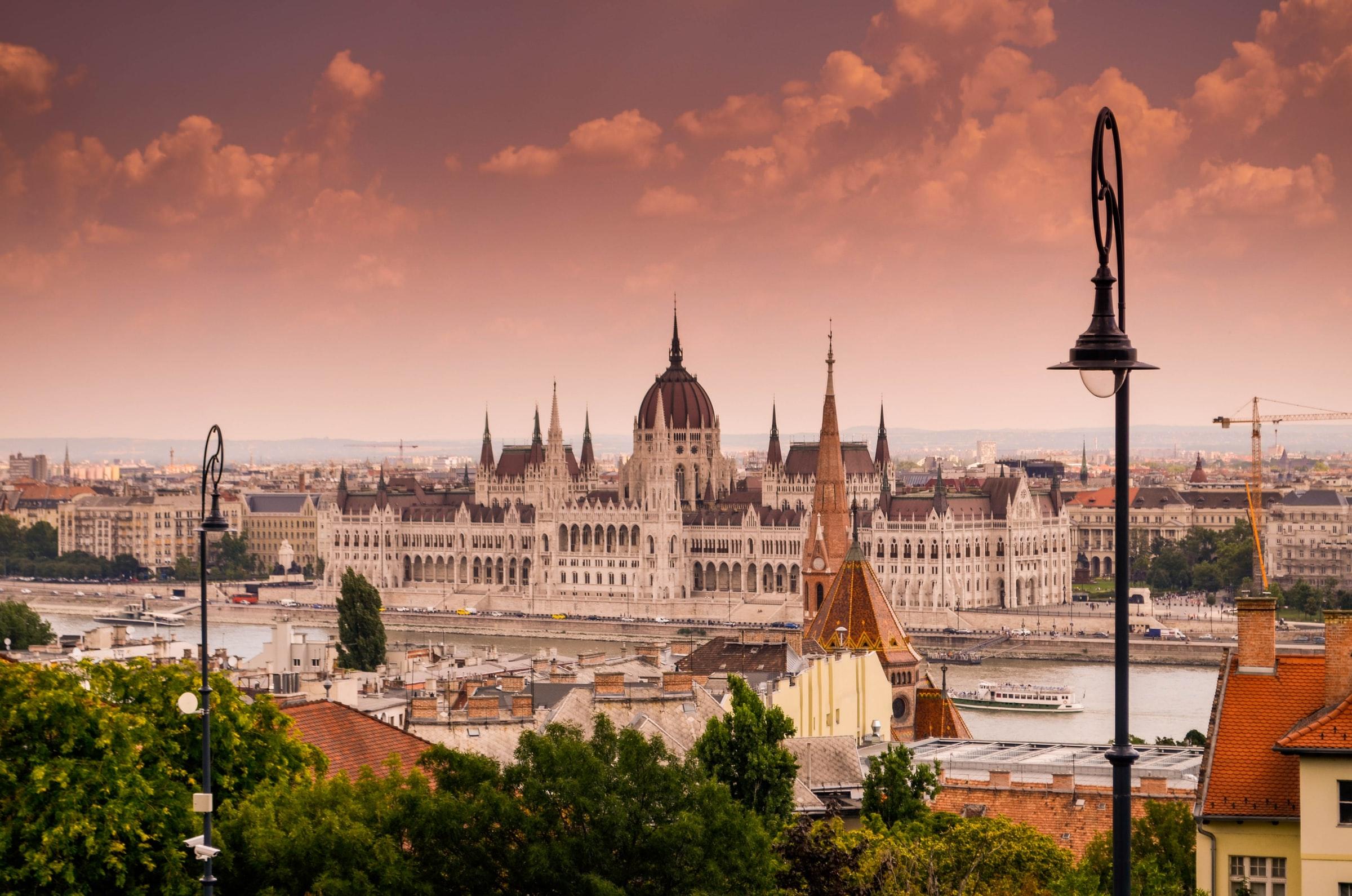 Sziget Festival Ungarn - Budapest, Parlamentsblick von Buda Seite