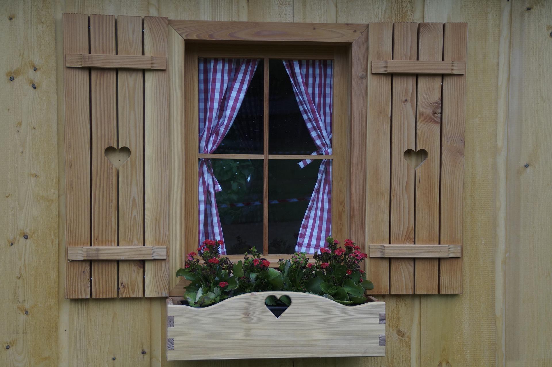 Wertschätzung durchs Reisen - Hüttenfenster