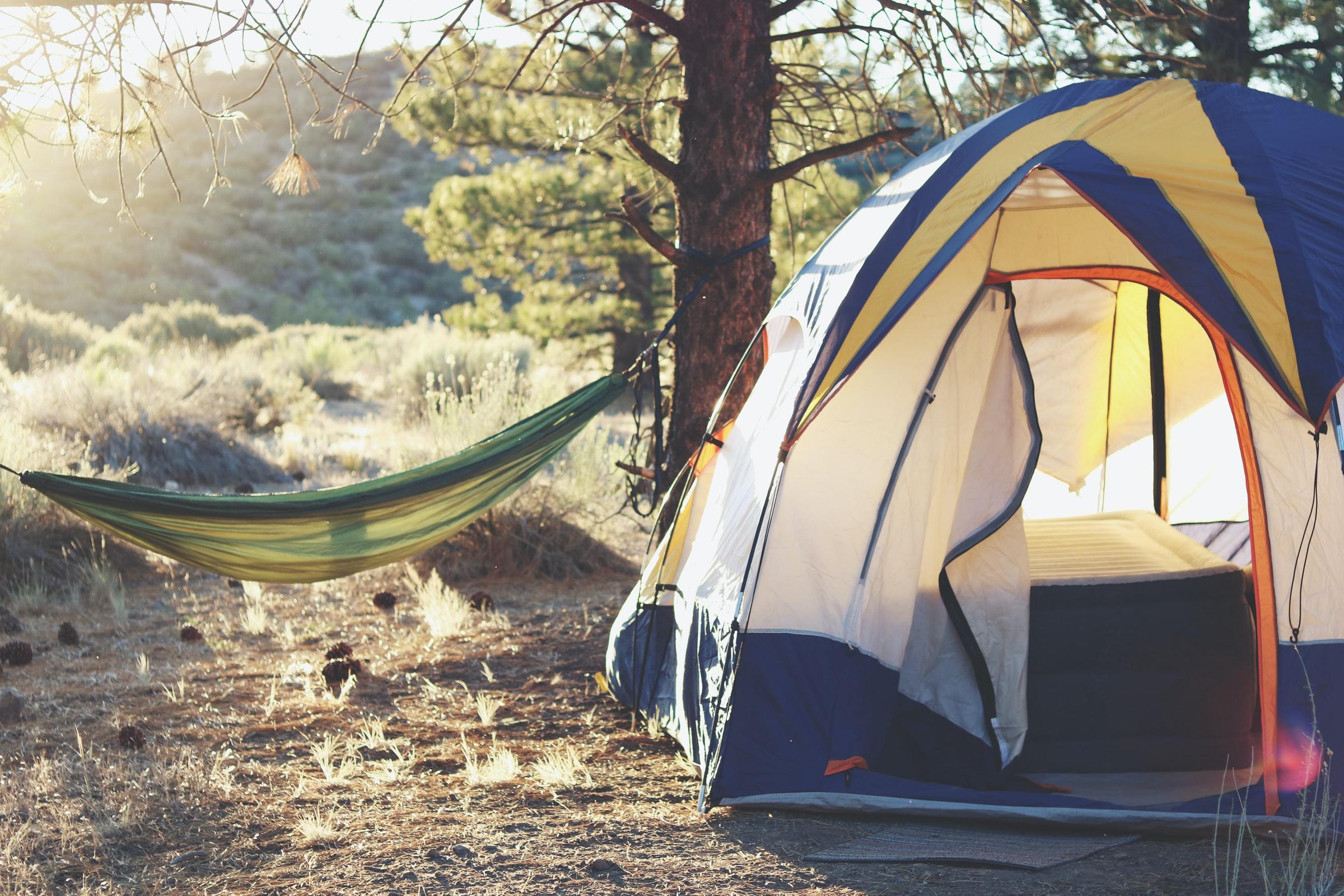 Wildcamping - Zelt und Hängematte