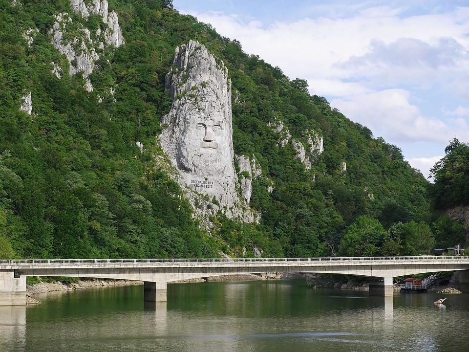 Interrail Donau Brücke