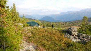 Camping Zelt und Landschaft